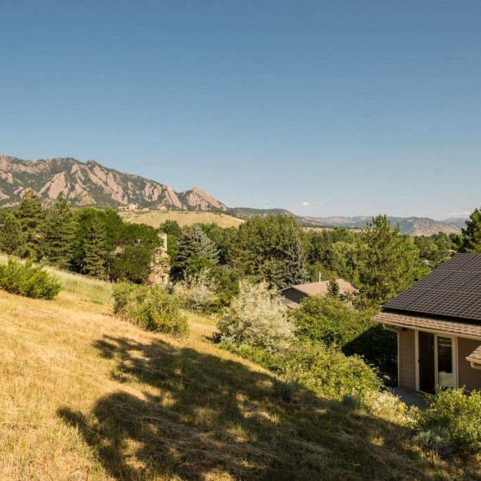 1631-Gillaspie-Dr-Boulder-CO-large-011-9-Flatirons-View-1499x1000-72dpi-Shelby-Downs