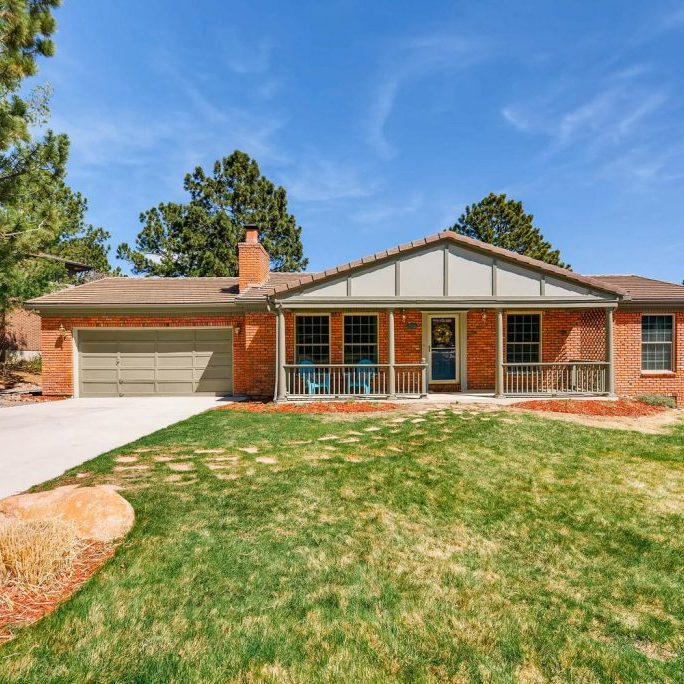 240-Raven-Hills-Rd-Colorado-large-001-3-Exterior-Front-1499x1000-72dpi-Candice-Graham