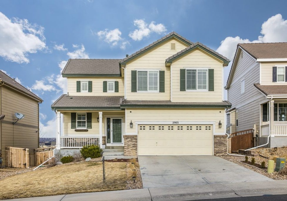 2903 Black Canyon Way - front